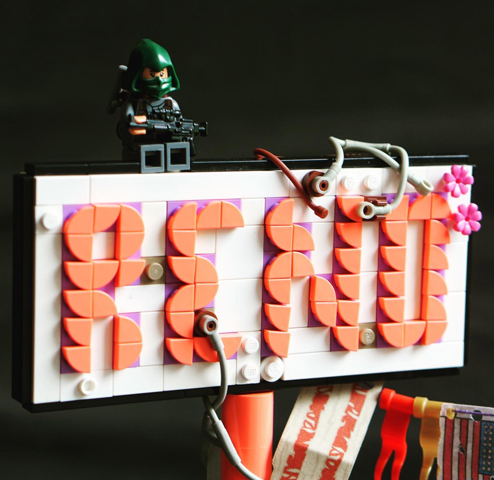 The Post Apocalypse In Reno. The Gate Of Nevada 2075 Lego MOC. Sign Detail.