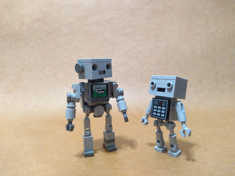 A Pair Of Robots — A Lego MOC